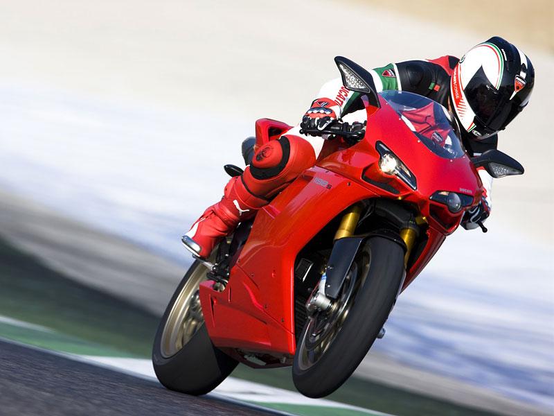Ducati: slevová akce a doprodej předváděcích motocyklů: - fotka 9