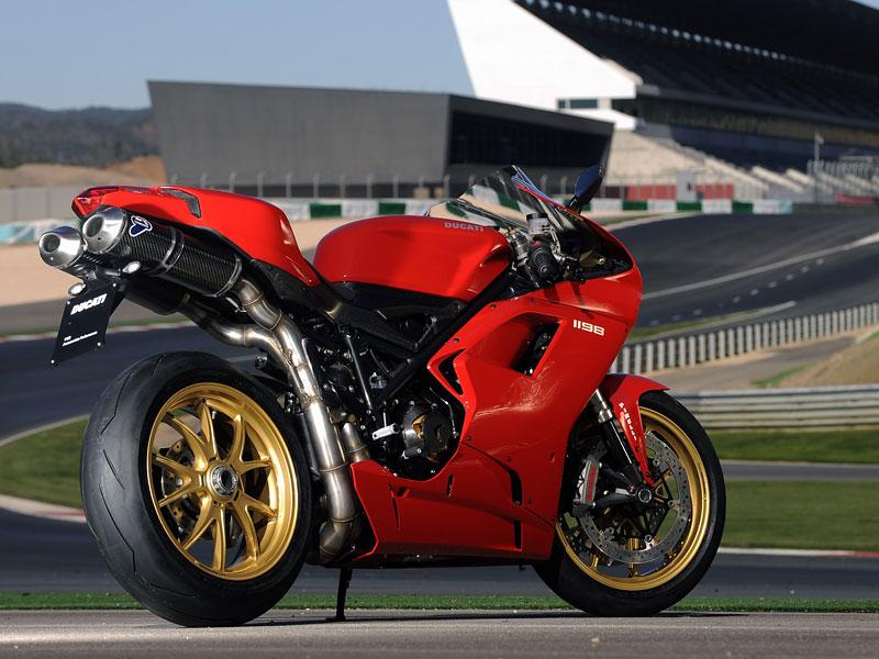 Ducati: slevová akce a doprodej předváděcích motocyklů: - fotka 15
