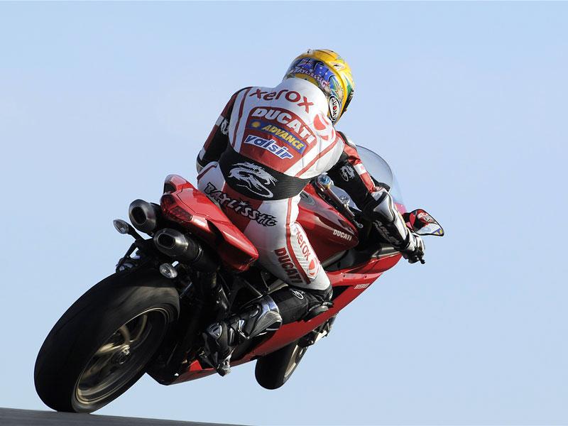 Ducati: slevová akce a doprodej předváděcích motocyklů: - fotka 17