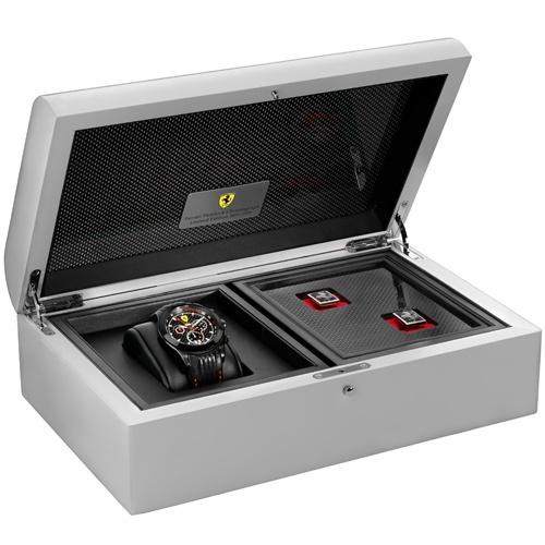 Ferrari Paddock Chronograph: hodinky z Maranella (skoro) za hubičku: - fotka 2