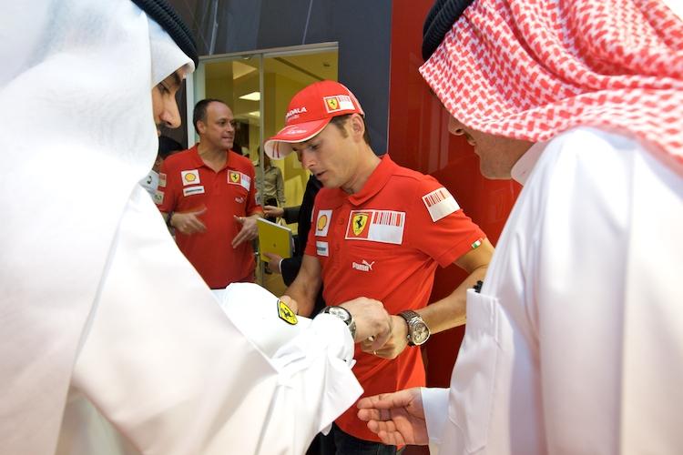 Největší obchod na světě se zbožím od Ferrari otevřen v Dubaji: - fotka 3