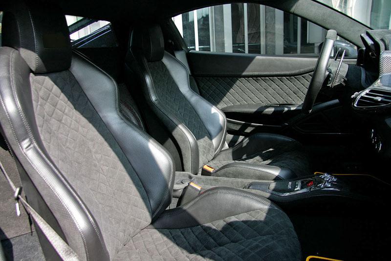 Ferrari 458 Black Carbon Edition od Anderson Germany: Temný rytíř: - fotka 4