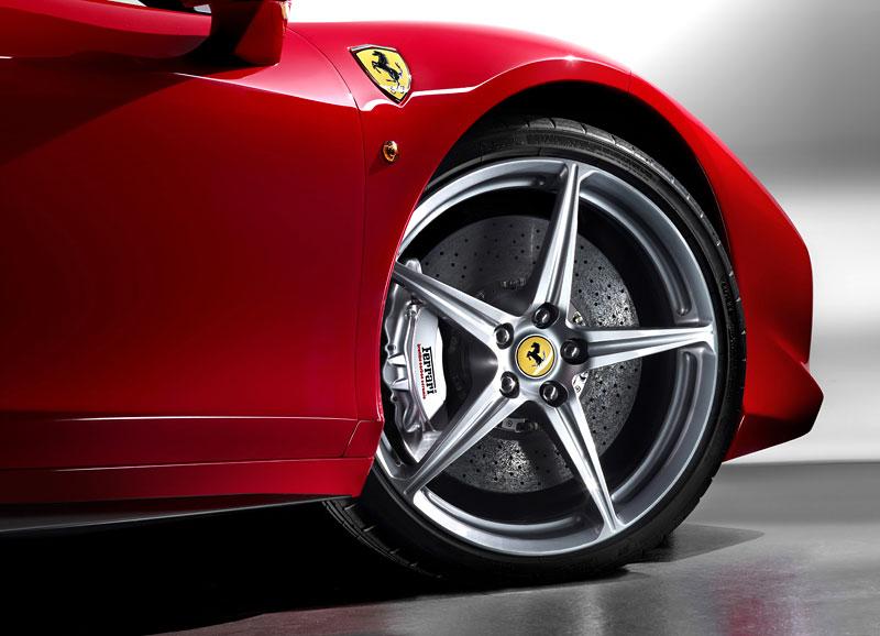Frankfurt 2009 živě: Ferrari 458 Italia – první dojmy: - fotka 50