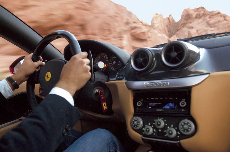 Ferrari představí v Ženevě koncept hybridního 599 GTB!: - fotka 12