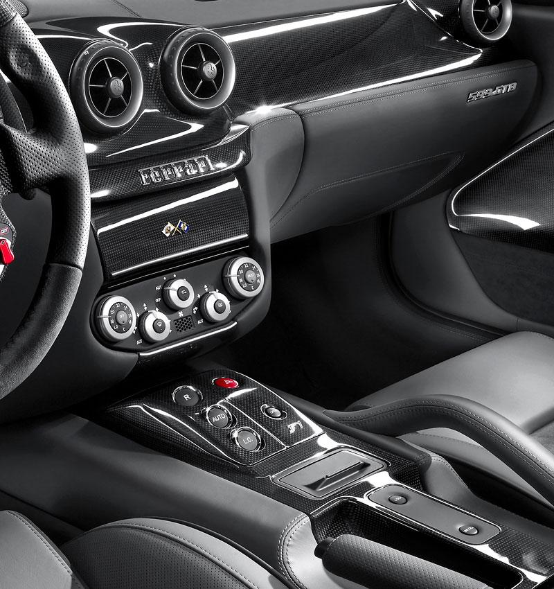 Autosalon Ženeva: Ferrari 599 GTB Fiorano HGTE: - fotka 7