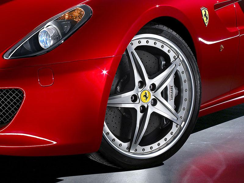 Autosalon Ženeva: Ferrari 599 GTB Fiorano HGTE: - fotka 13