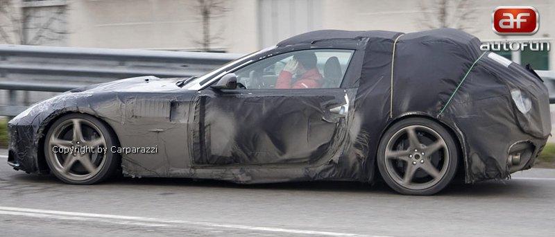 Spy Photos: nástupce Ferrari 612 Scaglietti už brázdí silnice: - fotka 3