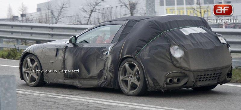 Spy Photos: nástupce Ferrari 612 Scaglietti už brázdí silnice: - fotka 4