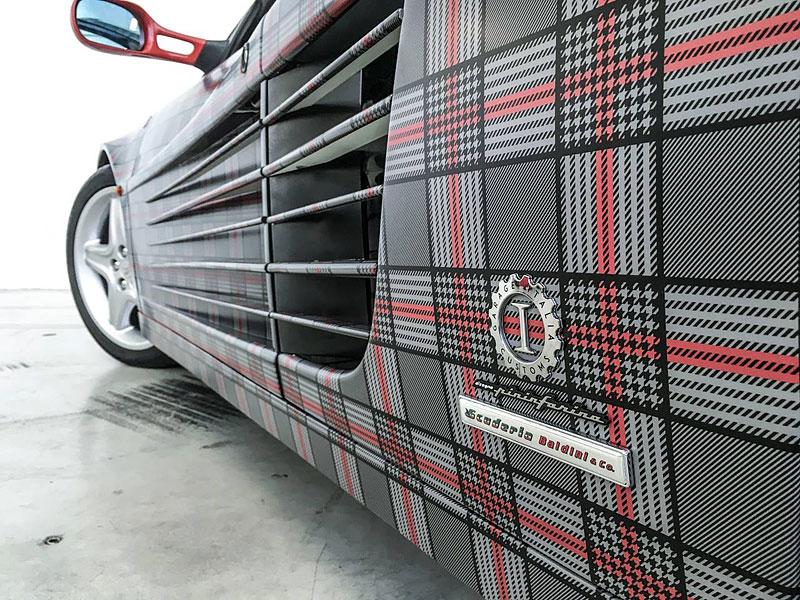 Ferrari 512 TR Spider a slušivý kostkovaný kabátek: - fotka 5