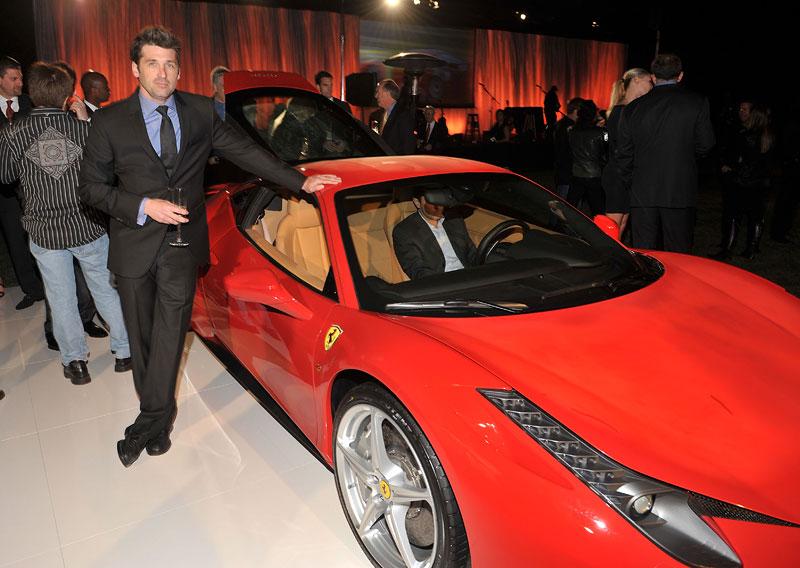První Ferrari 458 Italia pro USA vydraženo, penízky míří na Haiti: - fotka 34