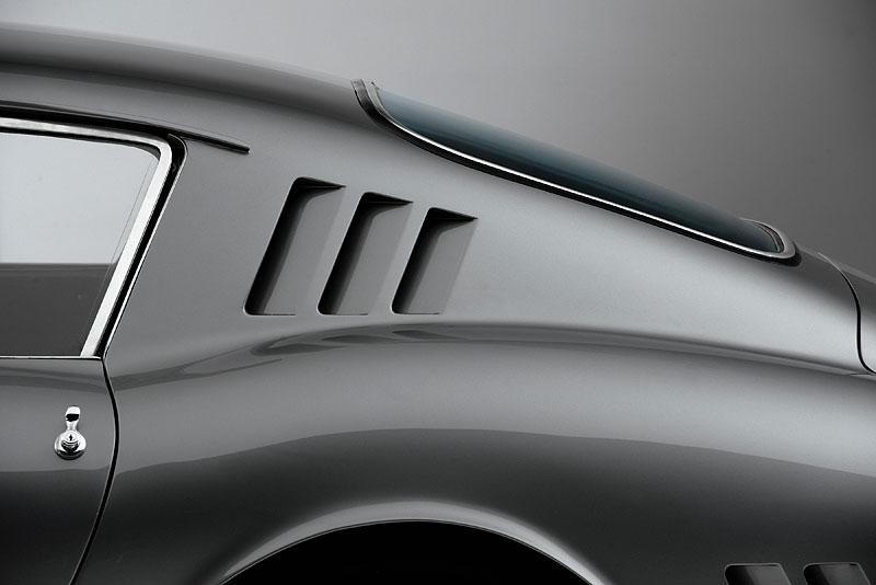 Ferrari 275 GTB/C Speciale by Scaglietti se chystá do aukce: - fotka 25