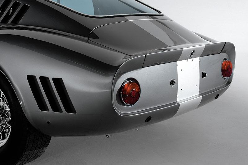 Ferrari 275 GTB/C Speciale by Scaglietti se chystá do aukce: - fotka 26