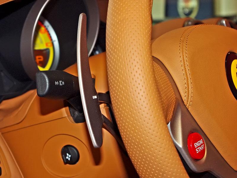 Ferrari California k vidění v Praze!: - fotka 4