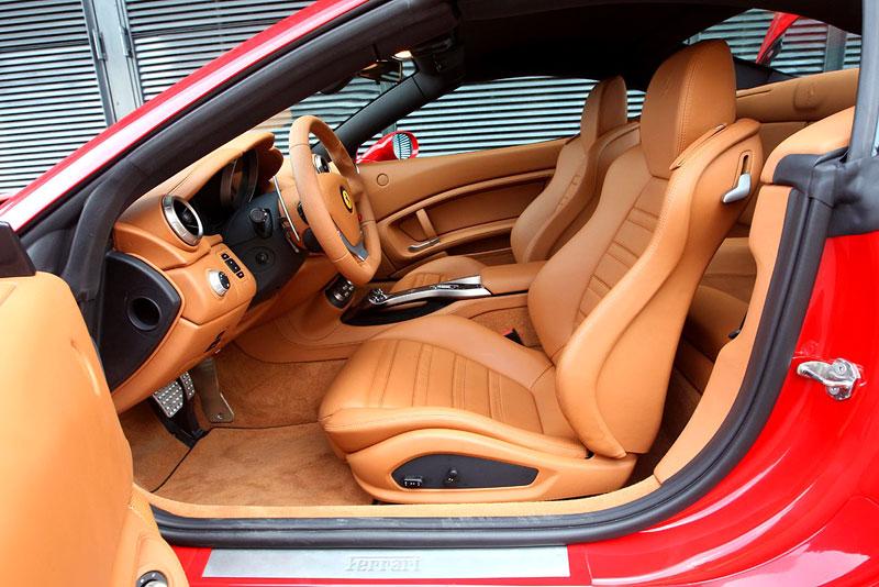 Ferrari California už zná svou cenu: - fotka 8