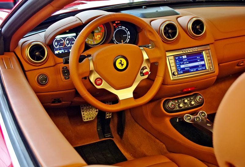 Ferrari California k vidění v Praze!: - fotka 10