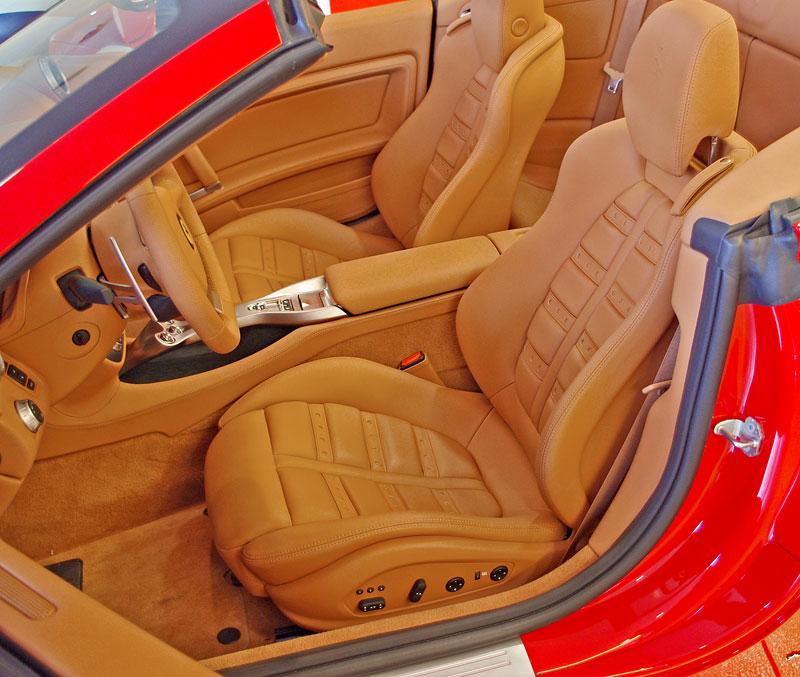 Ferrari California k vidění v Praze!: - fotka 12