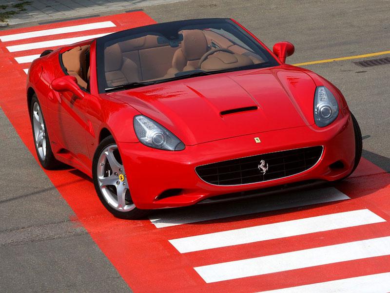 Ferrari California už zná svou cenu: - fotka 18
