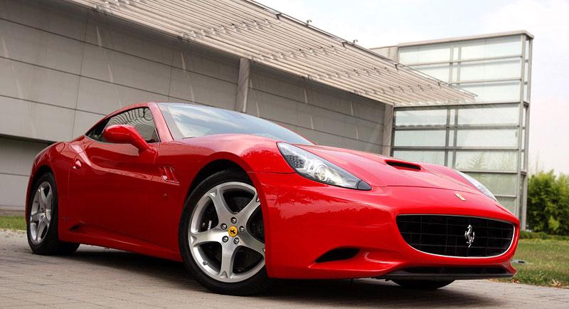 Ferrari California už zná svou cenu: - fotka 21