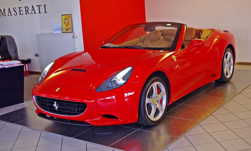 Ferrari California k vidění v Praze!: - fotka 18