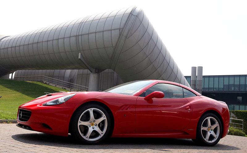 Ferrari California už zná svou cenu: - fotka 22