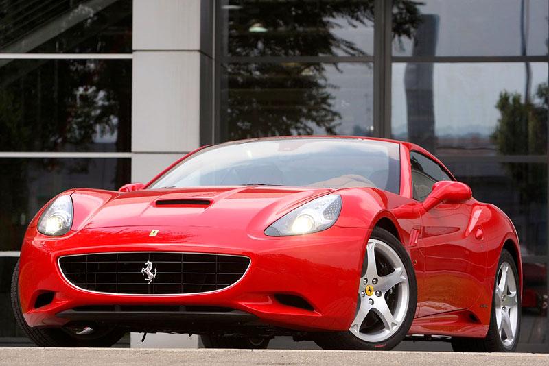 Ferrari California už zná svou cenu: - fotka 23