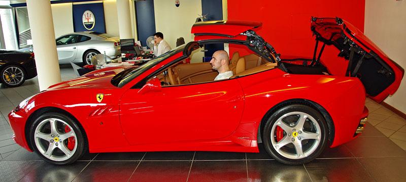 Ferrari California k vidění v Praze!: - fotka 21