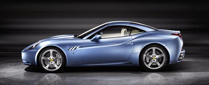 Paříž 2010: Ferrari v představí