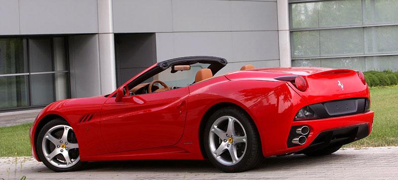 Ferrari California už zná svou cenu: - fotka 26
