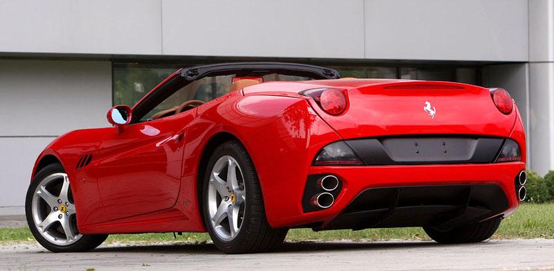 Ferrari California už zná svou cenu: - fotka 27