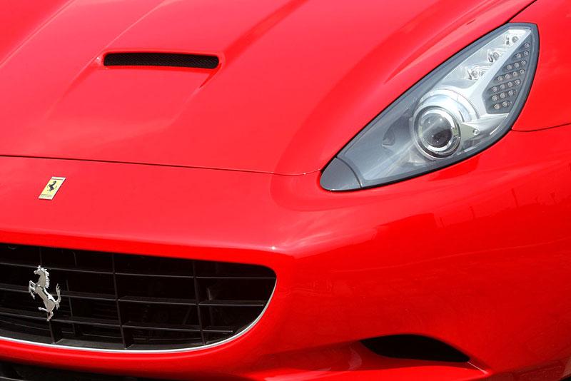 Ferrari California už zná svou cenu: - fotka 35
