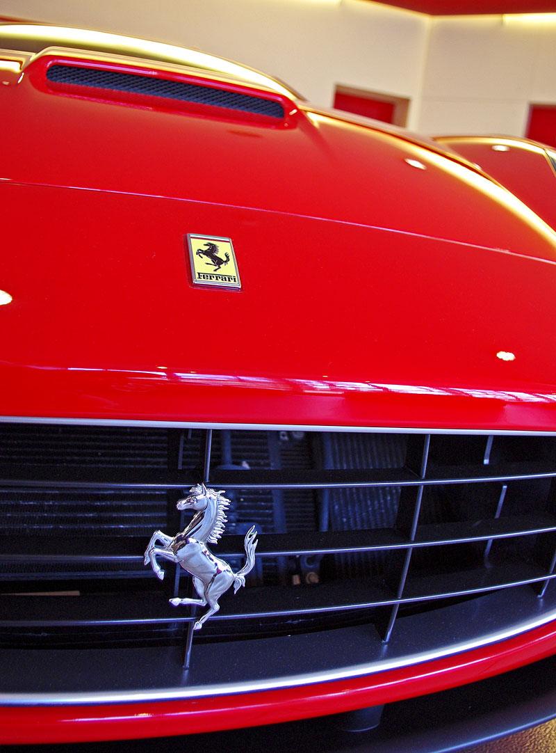 Ferrari California k vidění v Praze!: - fotka 35