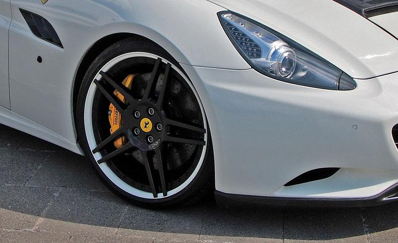 Ferrari California po zákroku Anderson Germany: - fotka 9