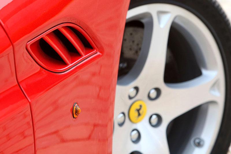 Ferrari California už zná svou cenu: - fotka 39