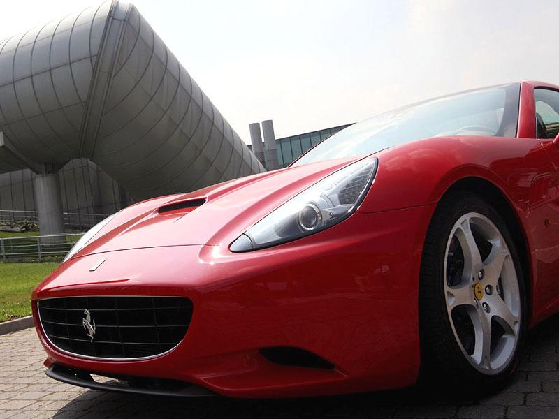 Ferrari California už zná svou cenu: - fotka 49