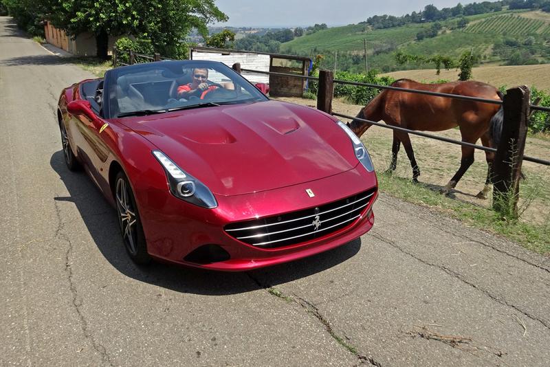 Za volantem: Ferrari California T: - fotka 8