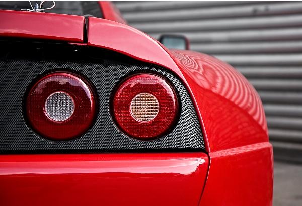 Unikátní prototyp Ferrari Enzo je na prodej: - fotka 24