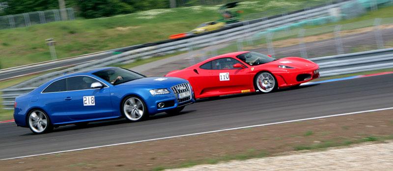 Klub sportovních aut pokřtil asfalt Automotodromu Brno: - fotka 23