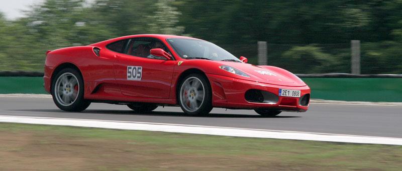 Klub sportovních aut pokřtil asfalt Automotodromu Brno: - fotka 34