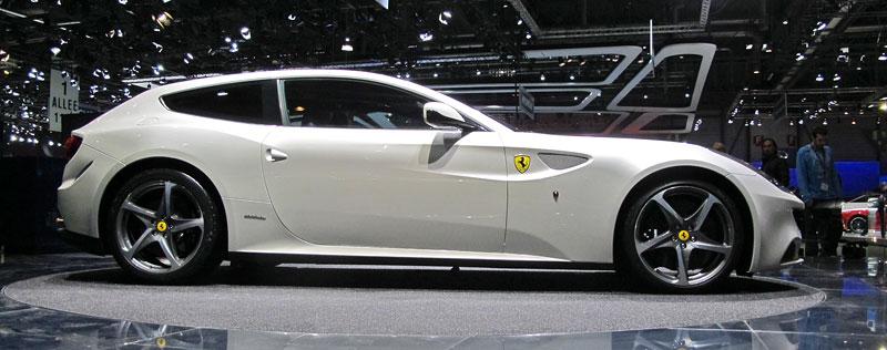 Ženeva 2011 živě: Ferrari FF - žába nebo princ?: - fotka 7