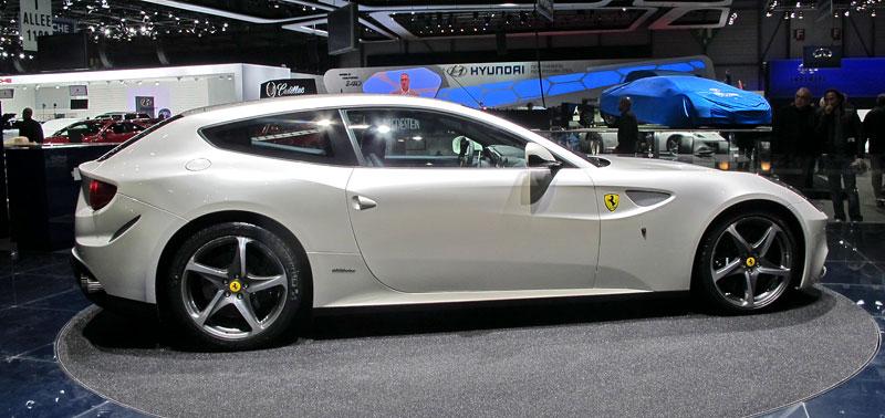 Ženeva 2011 živě: Ferrari FF - žába nebo princ?: - fotka 8