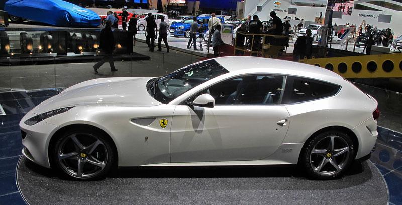 Ženeva 2011 živě: Ferrari FF - žába nebo princ?: - fotka 10