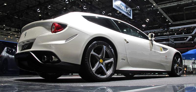 Ženeva 2011 živě: Ferrari FF - žába nebo princ?: - fotka 13
