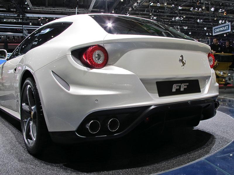 Ženeva 2011 živě: Ferrari FF - žába nebo princ?: - fotka 15