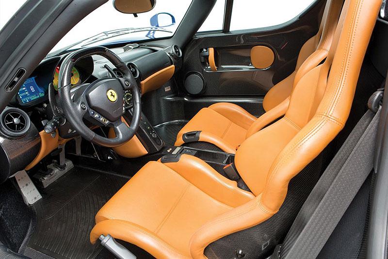 Líbila by se vám V12 z Ferrari Enzo do vašeho projektu? Jedna je na prodej, budete ale potřebovat spoustu peněz: - fotka 1
