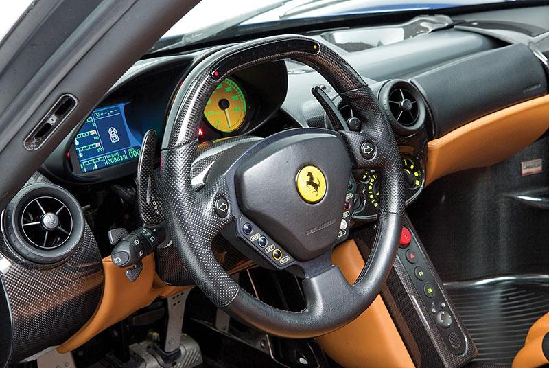 Líbila by se vám V12 z Ferrari Enzo do vašeho projektu? Jedna je na prodej, budete ale potřebovat spoustu peněz: - fotka 3