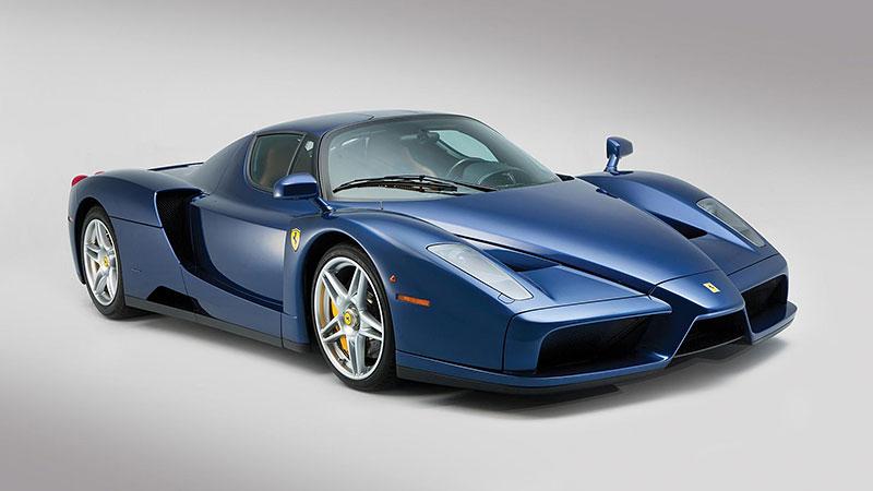 Líbila by se vám V12 z Ferrari Enzo do vašeho projektu? Jedna je na prodej, budete ale potřebovat spoustu peněz: - fotka 6