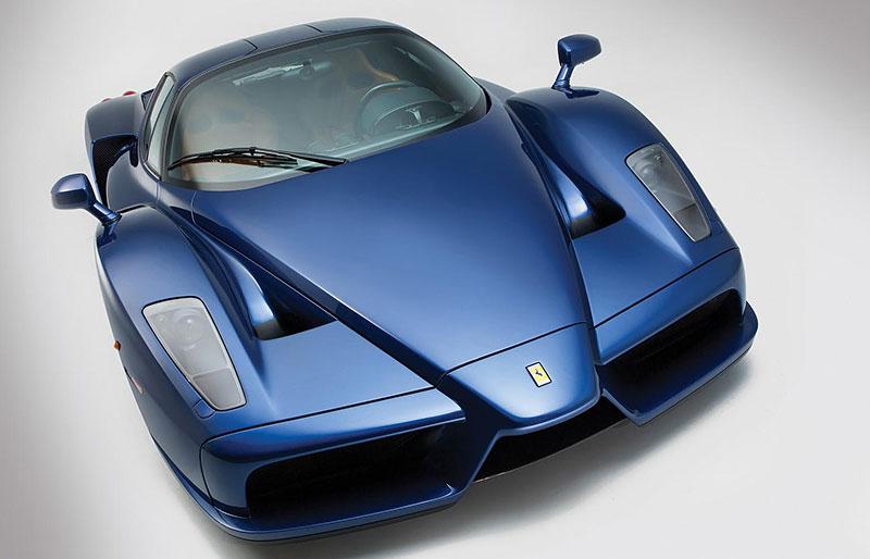 Líbila by se vám V12 z Ferrari Enzo do vašeho projektu? Jedna je na prodej, budete ale potřebovat spoustu peněz: - fotka 7