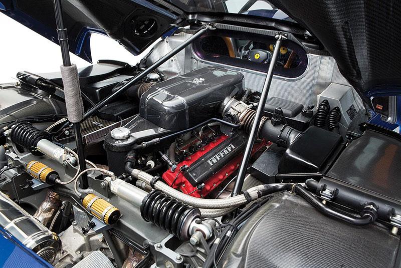 Líbila by se vám V12 z Ferrari Enzo do vašeho projektu? Jedna je na prodej, budete ale potřebovat spoustu peněz: - fotka 14