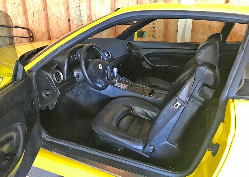 Podivná výměna. Majitel vyndal z Ferrari V12 a nainstaloval motor od Toyoty. Proč?: - fotka 2