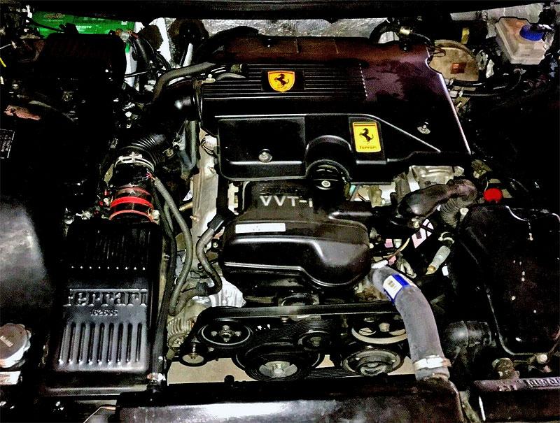Podivná výměna. Majitel vyndal z Ferrari V12 a nainstaloval motor od Toyoty. Proč?: - fotka 17